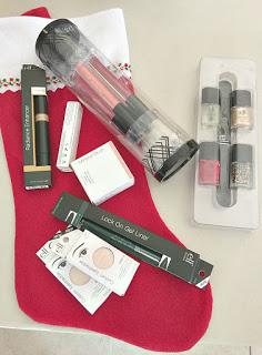 donate makeup to womens charities, donate makeup